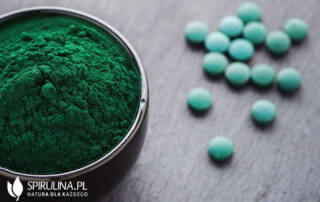 Jak zażywać Spirulinę? Ile razy dziennie i po ile tabletek?