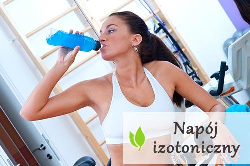 Napój izotoniczny - czym jest i kiedy warto go pić?