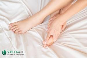 Domowe sposoby na skurcze nóg